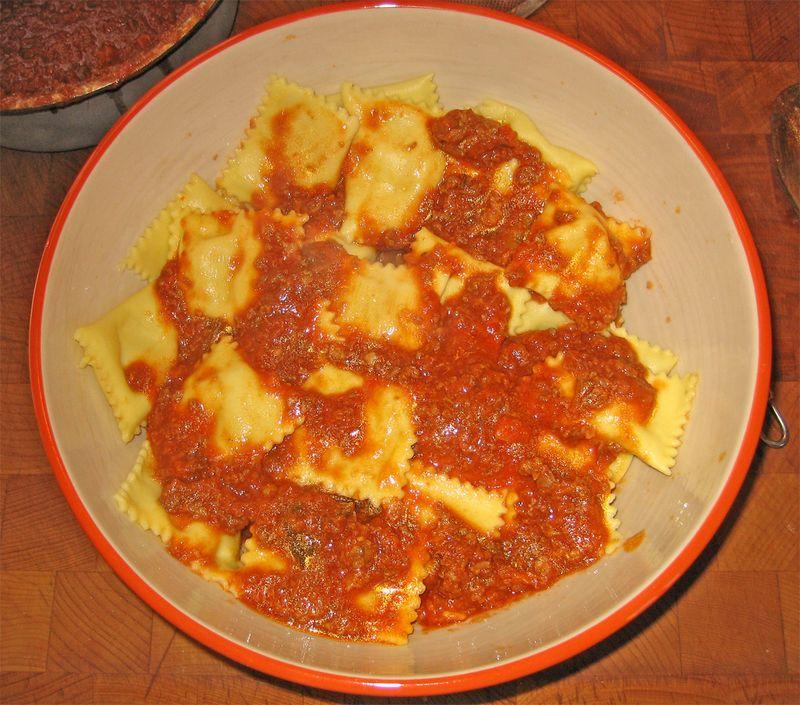 Ricotta ravioli in bowl