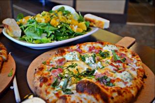 Tossa pizza